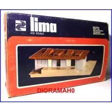 041 LIMA - Scalo merci decorato con accessori e personaggi 1/87