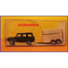 06622 WI06622 WIking - Fuoristrada con carrello trasporto cavalli 1/87
